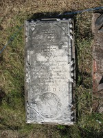 Gravestone 87, Hunt's Bay Jewish Cemetery (Last Name: Lopes Torres, First: Sarah, Title: Sra)