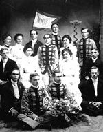 Thirteen male and female members of the East Florida Seminary Class of 1901.