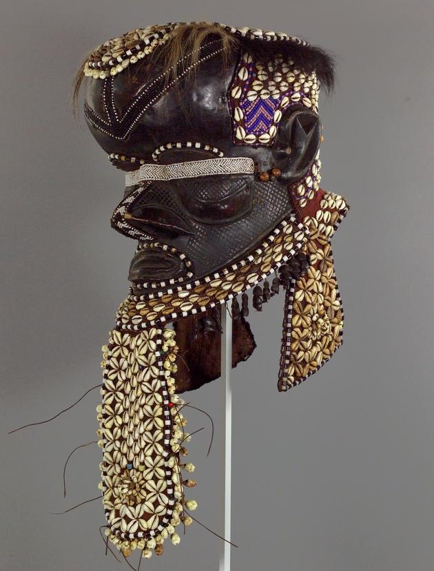Male Royal Ancestor Mask (Mbwoom) - Image 1