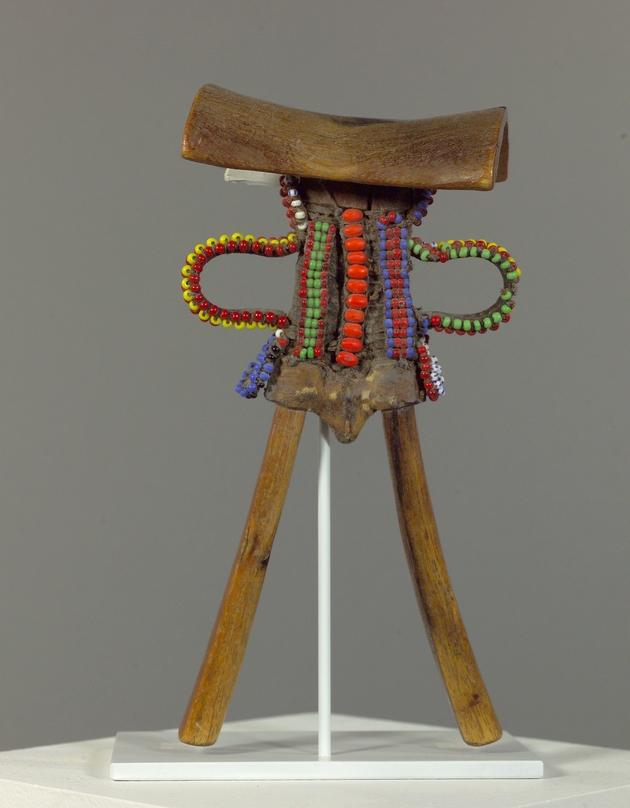 Headrest (ngachar or chemperit) - Image 1