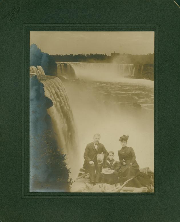 Jennings, William Sherman, May Mann and Bryan at Niagara Falls