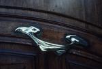 Close view of door handle (building on Avenue Foch)