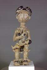 Seated Female Figure (esi mansa)