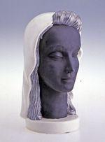 Figurine: Female head with cowl