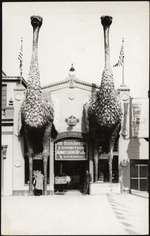 [Photograph of the front entrance of Cawston Ostrich Farm, 100 Ostriches on Exhibition]
